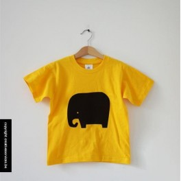 gele t-shirt + olifant